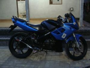 minerva r150 biru