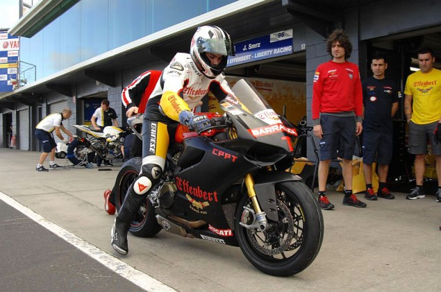 ducati-1199-panigale-superstock-1